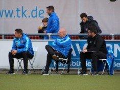 Trainer Jan Haimerl (im Bild rechts) ist mit den bisherigen Planungen an DIeselstraße sehr zufrieden .(Foto: Olaf Both)